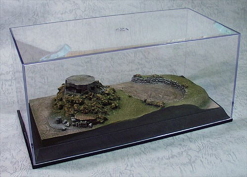Micro-D Diorama with Display Pillbox Summer
